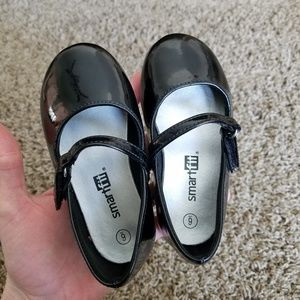 Cute shiny black baby/toddler shoes